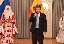 Николай Любимов вручил подарки воспитанникам рязанских интернатов