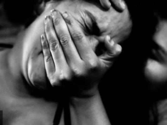 Курьер-мигрант попытался изнасиловать клиентку в Петербурге