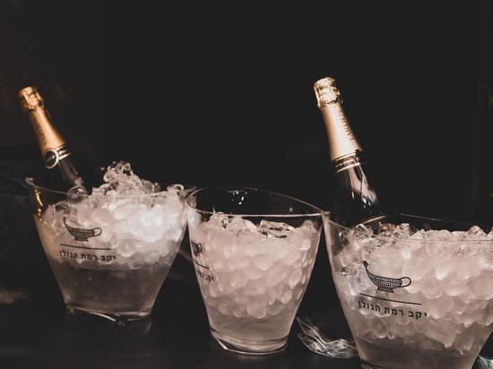 POP UP бар игристых вин MAKE A WISH от «Страны вина»