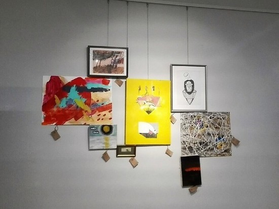 В галерее «Синара Арт» открылась выставка «Искусство – в подарок!»