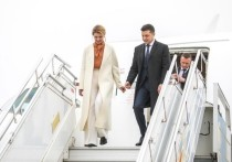Елена Зеленская скрывается от мужа-президента в ванной