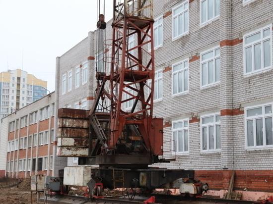 Начальную школу на улице Хлебникова в областном центре отремонтировали