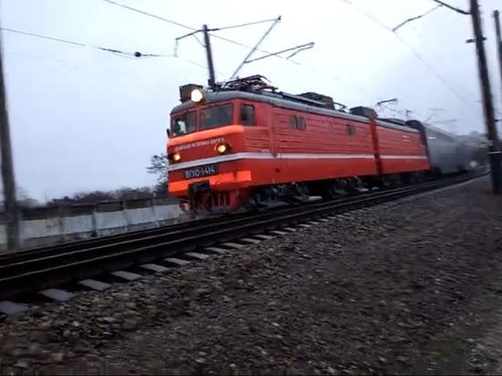 В Симферополе встретили первый поезд из Москвы