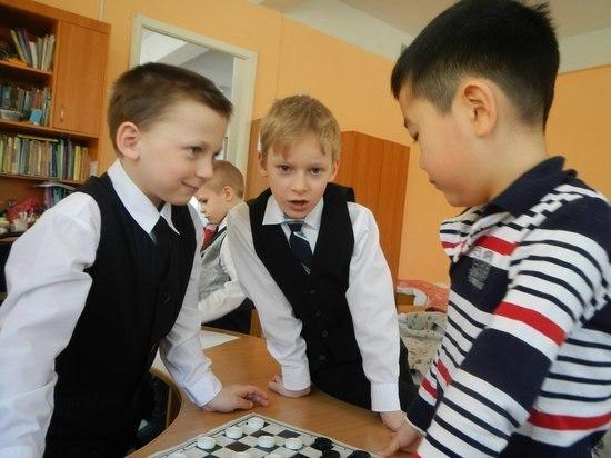Уложиться в пятерку: как в Тверской области купить школьную форму выгоднее и лучше