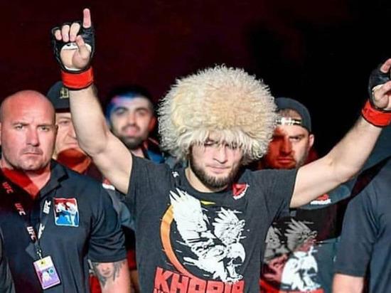 В десятке самых популярных спортсменов из России в социальных много бойцов и одна Алина Загитова