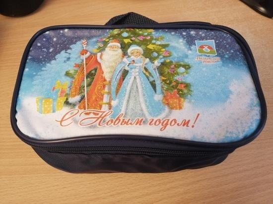 Житель Надыма возмутился видом детского новогоднего подарка