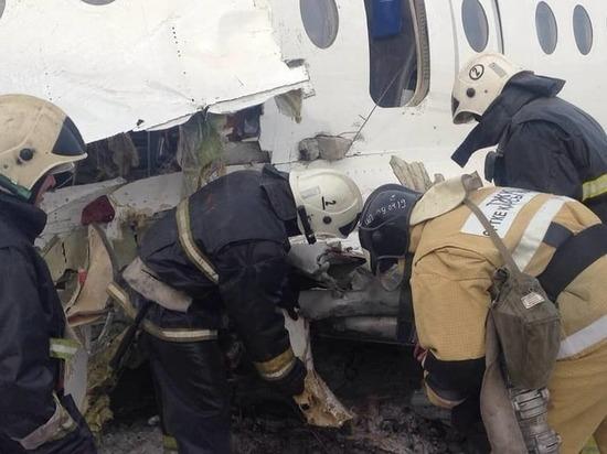 Очевидцы рассказали подробности крушения самолета в Казахстане