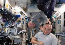 Специалисты из  Центра космических полетов NASA имени Джонсона выяснили, почему космонавты и астронавты, долгое время находящиеся на орбите, порой страдают от головных болей и «затуманивающегося» зрения