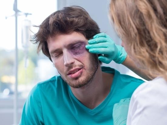 Топ-5 травм глаз, которые люди получают в новогодние праздники
