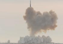 Стратегический гиперзвуковой комплекс «Авангард» официально поступил на вооружение ракетных войск стратегического назначения (РВСН)