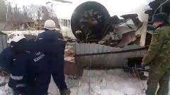 Опубликовано видео спасательной операции на месте крушения самолета в Казахстане