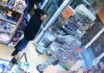 Напавший на автозаправку в Камышлове грабитель ранил охранника
