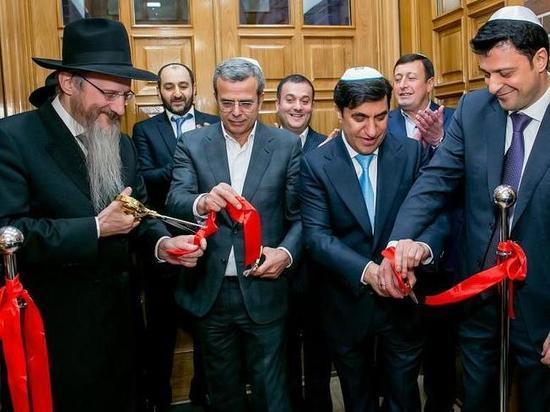 Год Нисанов и Зарах Илиев открыли уникальный центр в Москве