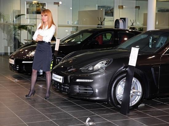 Эксперты оценили влияние экономической ситуации на покупку автомобиля в РФ