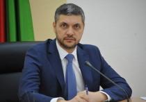 Говоря о состоянии забайкальской экономики, Александр Осипов подчеркнул, что впервые за многие годы наблюдается положительная динамика по ее основным показателям - инвестициям, валовому региональному продукту, объемам производственных отраслей