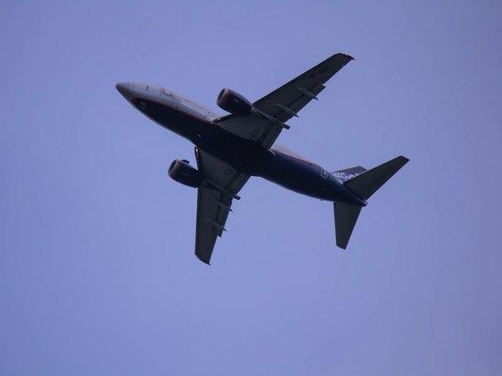 Самолет из Петербурга в Новый Уренгой задержали на пять часов