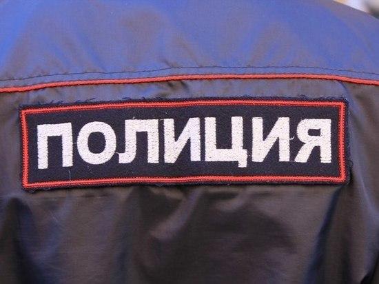 Сумку с тремя тысячами долларов отняли у мужчины на Ленинском