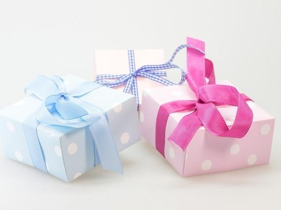 Психологи рассказали, почему красивая упаковка вредит подарку