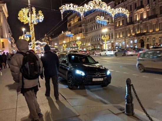 Михаил Боярский вновь попался на неправильной парковке