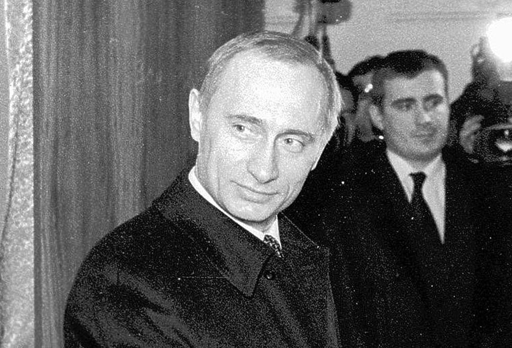 Как менялось лицо Путина за 20 лет: образы президента