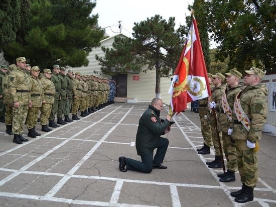 В Гаспре военные провели церемонию прощания со знаменем