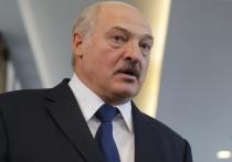 Президент Белоруссии Александр Лукашенко провел телефонный разговор с российским премьер-министром Дмитрием Медведевым насчет поставок газа в страну из РФ, сообщает БЕЛТА