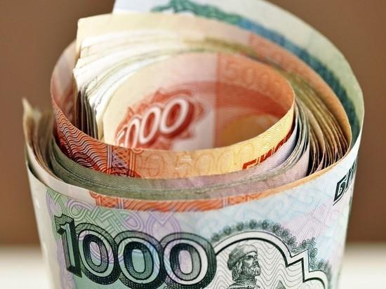 Российские банки начинают брать комиссию за быстрые переводы