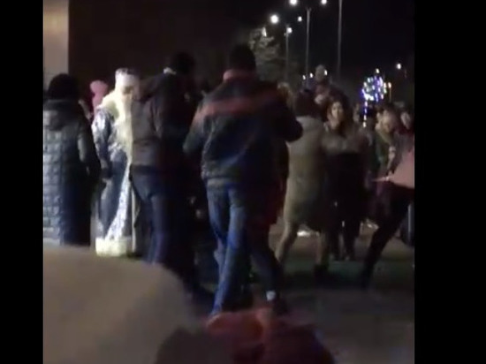 Деды Морозы подрались под Волгоградом с местными жителями