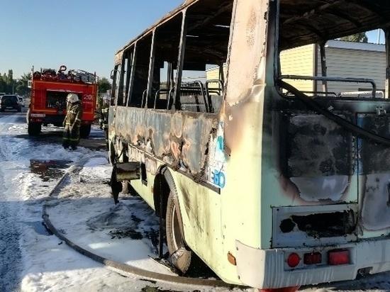 В Воронеже сгорел второй автобус за сутки