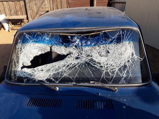 В Улан-Удэ пьяный водитель врезался в дорожное ограждение