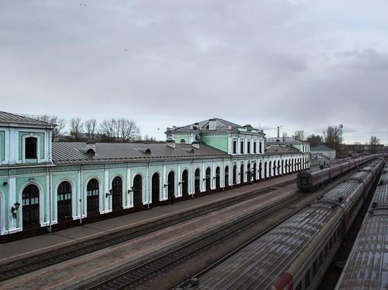 На псковском ж/д вокзале действуют меры безопасности больших городов