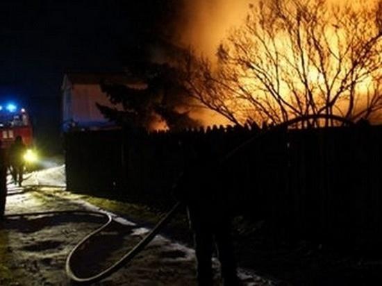 При пожаре из-за непотушенной сигареты в Челябинской области погибли два человека