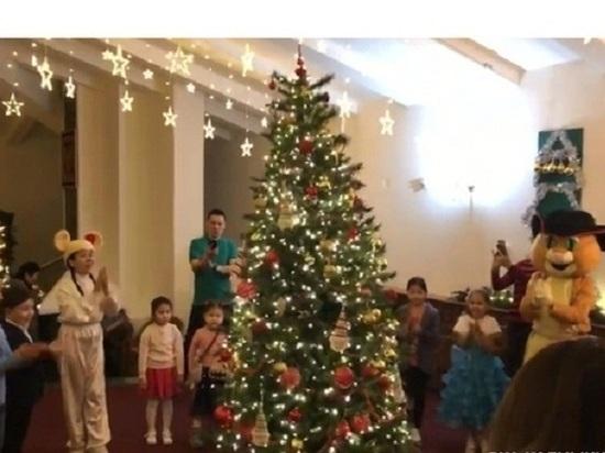 В калмыцком представительстве прошла новогодняя елка