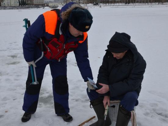 Свердловские спасатели усилили патрулирование водоемов