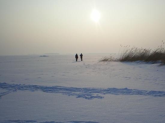 Два мальчика провалились под лед Дудергофского канала