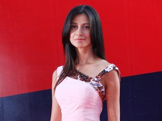 Равшана Куркова укатила на Бали с новым бойфрендом-армянином