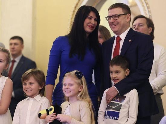 Алексей Текслер открыл рождественскую елку в челябинском театре оперы и балета