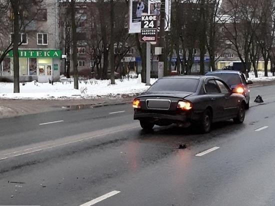 В Иванове дорожные инспекторы разыскивают водителя, повредившего две иномарки
