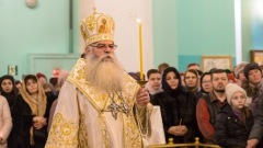 Митрополит Константин провел рождественскую службу в Петрозаводске