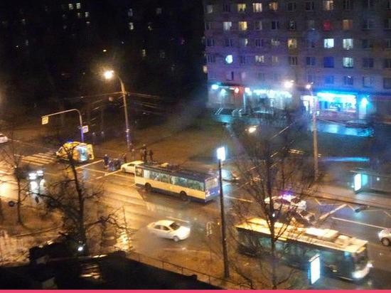 На проспекте Тореза насмерть задавили пешехода