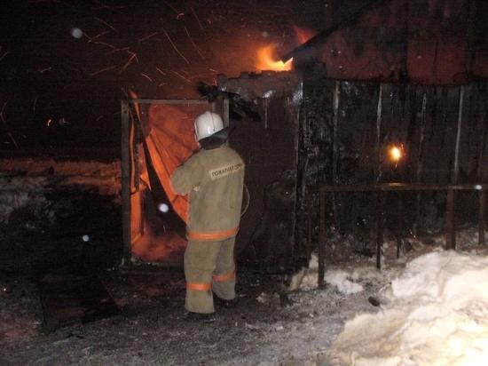 В Костромской области ночной пожар уничтожил частный дом