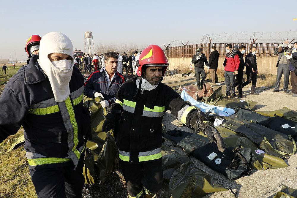 Украинский самолет разбился под Тегераном: страшные кадры трагедии