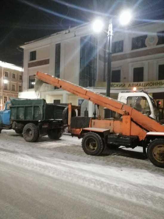 В период с 1 и по 8 января городские дорожные службы выполняли работы по зимнему содержанию объектов улично-дорожной сети в плановом режиме
