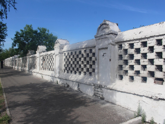 После сноса забора Троицкое кладбище включили в список памятников