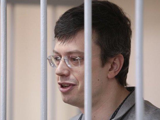 Экс-генерала Никандрова начали допрашивать в условиях строжайшей секретности