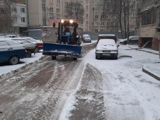 Снегоуборочная техника работает в Элисте и на федеральных трассах