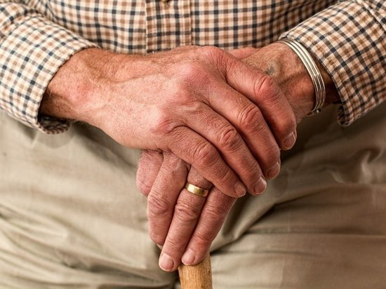 Псковичи могут оформить доплату к пенсии в отделениях МФЦ