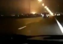 Журналист BBC в Исламской Республике Иран Али Хашем опубликовал в своем Twitter-аккаунте новое видео, на котором запечатлен момент крушения украинского Boeing 737 под Тегераном