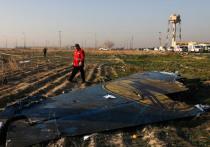 Иранские власти показали «черные ящики» с Boeing 737-800 Украинских авиалиний, разбившегося в окрестностях Тегерана 8 января