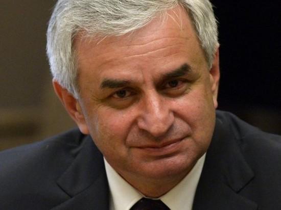 Суд Абхазии отменил итоги выборов президента